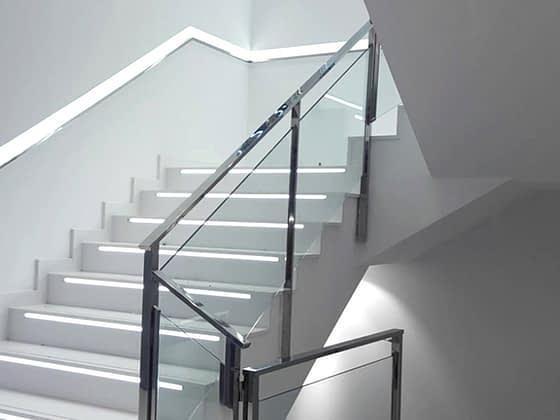 panel led escalera